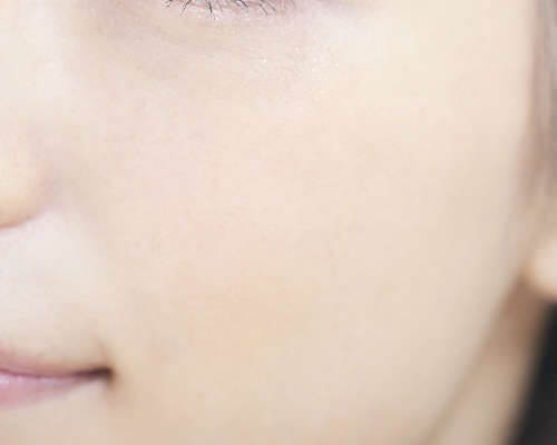 30代口コミ女性の肌のアップ