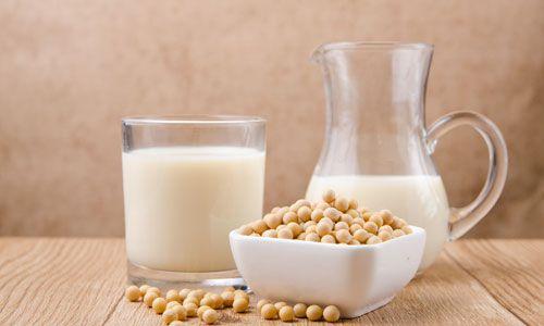大豆と豆乳のイメージ画像