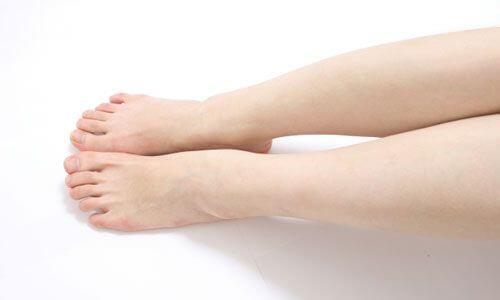 30代口コミ女性の膝下